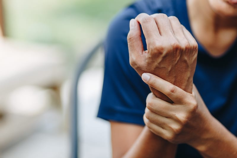 7 Ways to Better Manage Lyme Disease Arthritis This Winter - Lyme Mexico Clinic